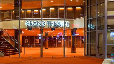Entrance-to-Grand-Theatre-lobby-at-Grand-Sierra-Resort_640x360.jpg