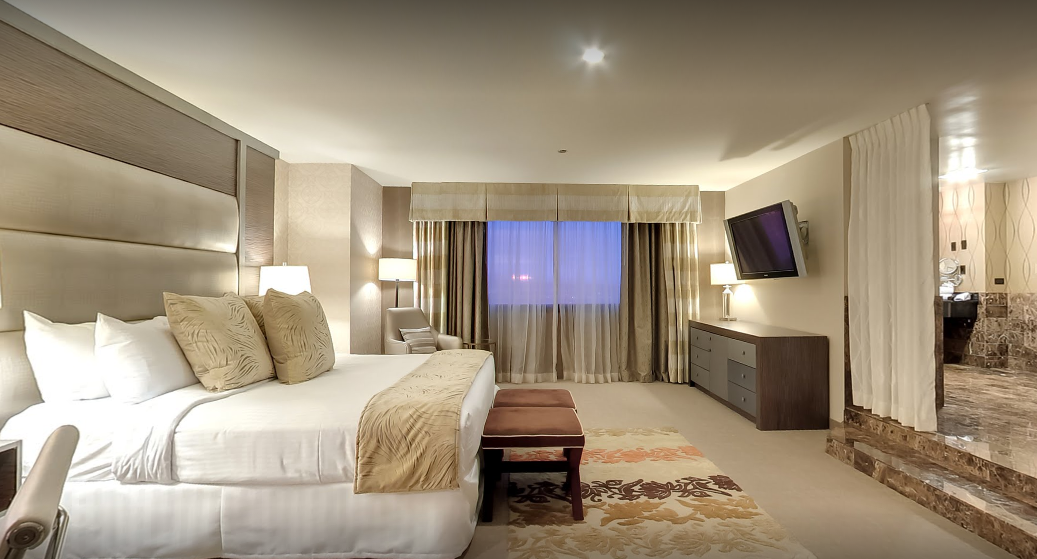 Hotel room Diplomat suite.png